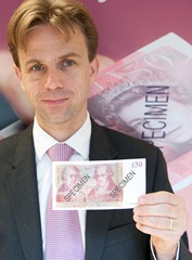 Chris Salmon of The Bank of England with the new £50 note. Copyright: The Bank of England